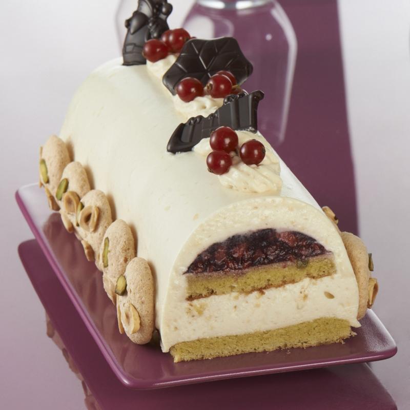 Bûche chocolat blanc, marron insert myrtilles *